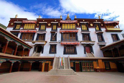 Drepung-Monastery-in-Lhasa
