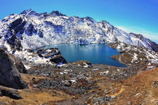 Gosaikunda_lake_landscape